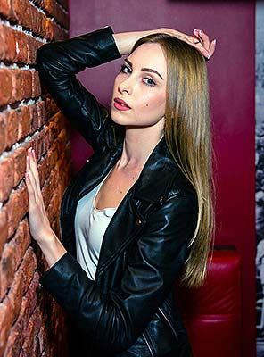 Pleasure lady Ekaterina from Makeevka (Ukraine), 25 yo, hair color brown