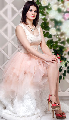 Kind woman Yuliya from Minsk (Belarus), 30 yo, hair color chestnut