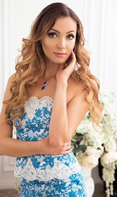 Tender woman Elena from Moscow (Russia), 36 yo, hair color dark brown