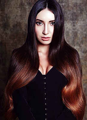 Fragile lady Elena from Moscow (Russia), 26 yo, hair color chestnut