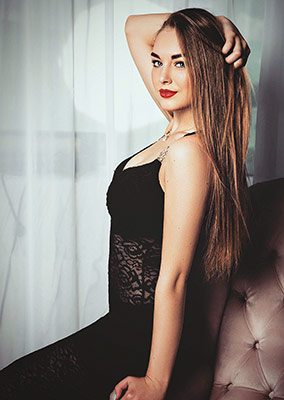 Openminded girl Anna from Istanbul (Turkey), 21 yo, hair color light brown