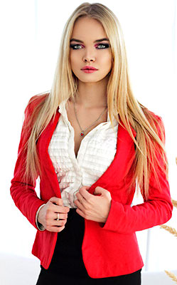 Comfort bride Arina from Moscow (Russia), 24 yo, hair color blonde