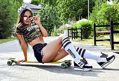 Pleasure lady Dar'ya from Taganrog (Russia), 30 yo, hair color brunette