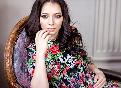 Calm lady Yuliya from Lugansk (Ukraine), 30 yo, hair color black