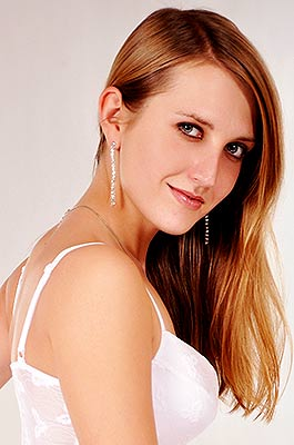 Mild woman Irina from Lugansk (Ukraine), 36 yo, hair color brown