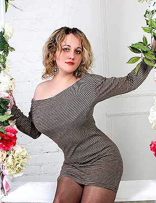 Sociable bride Anna from Lugansk (Ukraine), 31 yo, hair color blonde