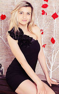 Kind woman Oksana from Kiev (Ukraine), 31 yo, hair color blonde
