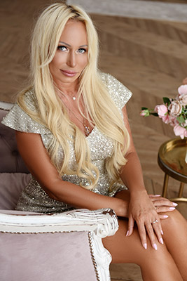 Wellread bride Marina from Kharkov (Ukraine), 42 yo, hair color blonde