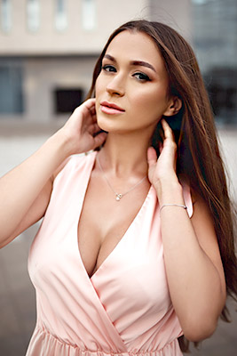 Affectionate bride Ekaterina from Kharkov (Ukraine), 32 yo, hair color brown-haired