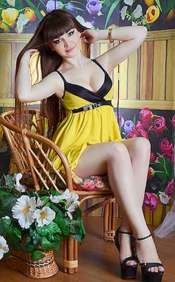 Industrious lady Elena from Lugansk (Ukraine), 32 yo, hair color brown-haired