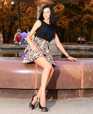 Active woman Alina from Lugansk (Ukraine), 29 yo, hair color black