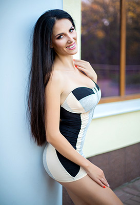 Funny woman Yana from Kiev (Ukraine), 26 yo, hair color brunette