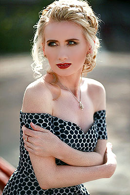 Emotional bride Elena from Moscow (Russia), 43 yo, hair color blonde