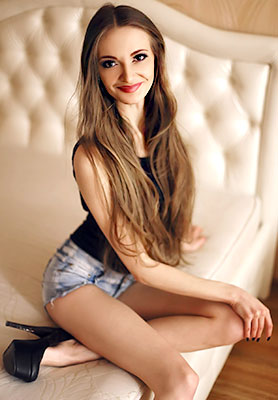 Marriageminded lady Anna from Kiev (Ukraine), 34 yo, hair color brown