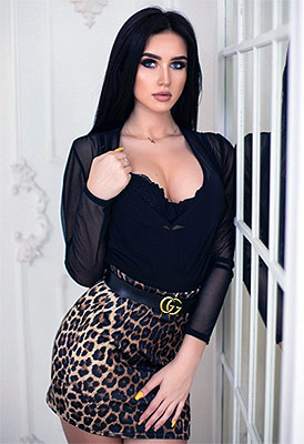 Little bride Anastasiya from Lugansk (Ukraine), 21 yo, hair color black
