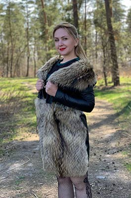 Young bride Inna from Kiev (Ukraine), 41 yo, hair color blonde