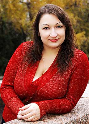 Open woman Kseniya from Kiev (Ukraine), 40 yo, hair color chestnut