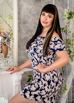 Friendly bride Elena from Kiev (Ukraine), 30 yo, hair color brunette
