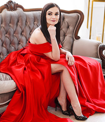 Open woman Larisa from Lutsk (Ukraine), 41 yo, hair color black