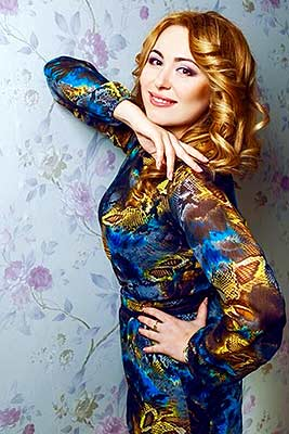 Cheerful bride Irina from Mariupol (Ukraine), 40 yo, hair color brown