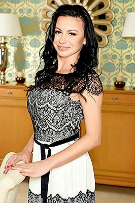 Emotional woman Elena from Mariupol (Ukraine), 40 yo, hair color brunette