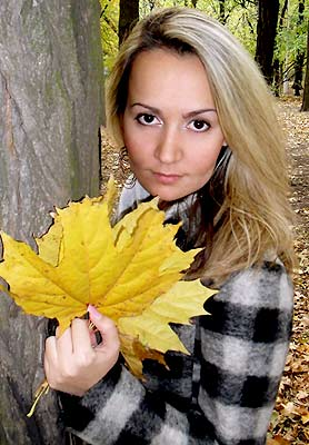 Sensitive woman Elena from Mariupol (Ukraine), 35 yo, hair color blonde