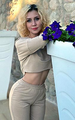Christian lady Ekaterina from Mariupol (Ukraine), 39 yo, hair color blonde