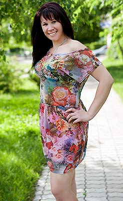 Romantic lady Elena from Melitopol (Ukraine), 32 yo, hair color chestnut
