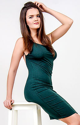 Intelligent girl Inna from Melitopol (Ukraine), 24 yo, hair color dark brown