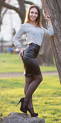 Sweet woman Natal'ya from Nikolaev (Ukraine), 30 yo, hair color brunette