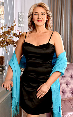 Sociable woman Anjela from Kiev (Ukraine), 54 yo, hair color blonde