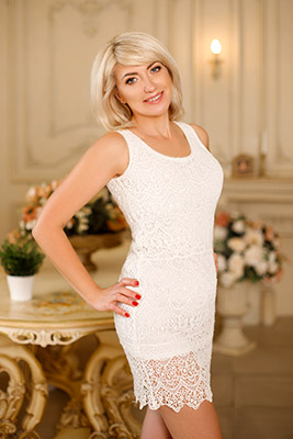 Cheerful woman Oksana from Kiev (Ukraine), 49 yo, hair color blonde