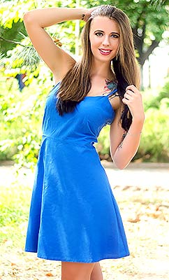 Attracted lady Oksana from Nikolaev (Ukraine), 25 yo, hair color brown