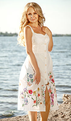 Tender bride Elena from Nikolaev (Ukraine), 34 yo, hair color blonde