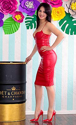 Intelligent bride Svetlana from Nikolaev (Ukraine), 31 yo, hair color brunette