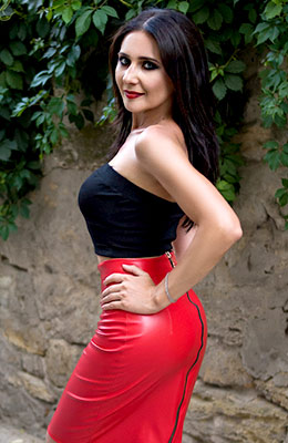 Calm woman Natal'ya from Nikolaev (Ukraine), 38 yo, hair color chestnut