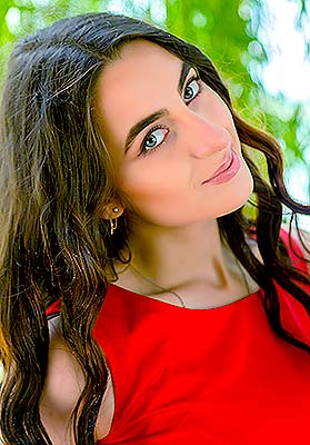 Attracted lady Yuliya from Nikolaev (Ukraine), 24 yo, hair color brown-haired