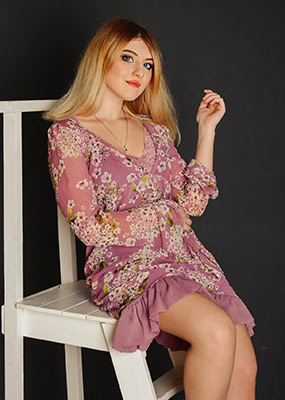 Kind bride Agnessa from Nikolaev (Ukraine), 19 yo, hair color blonde