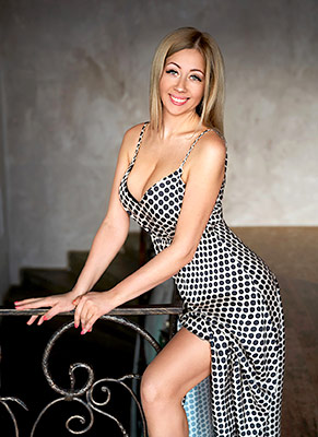 Cheerful bride Tat'yana from Nikolaev (Ukraine), 34 yo, hair color blonde