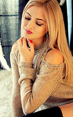 Clever lady Anna from Nikolaev (Ukraine), 27 yo, hair color blonde