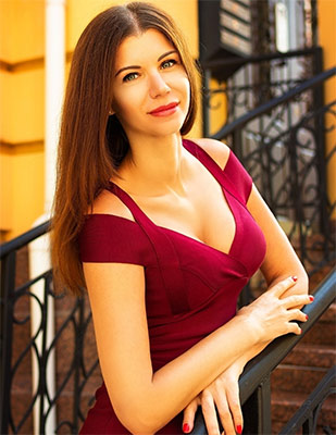 Inquisitive wife Ol'ga from Kiev (Ukraine), 35 yo, hair color brunette
