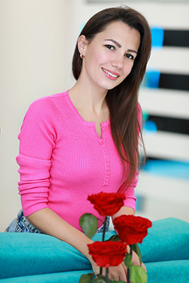 Serious bride Elena from Nikolaev (Ukraine), 33 yo, hair color brunette