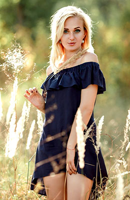 Open lady Alena from Kirovograd (Ukraine), 23 yo, hair color blonde