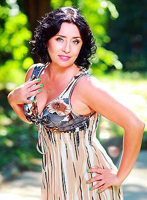 Cheerful lady Irina from Odessa (Ukraine), 49 yo, hair color black