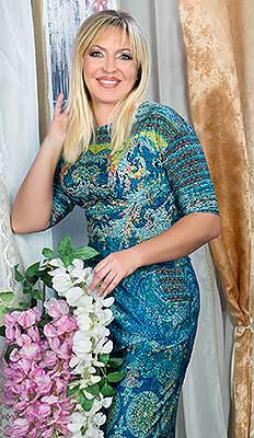 Devoted woman Natal'ya from Odessa (Ukraine), 45 yo, hair color blonde