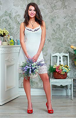 Positive bride Alla from Odessa (Ukraine), 29 yo, hair color chestnut
