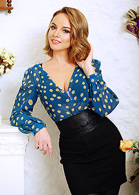 Sporty woman Elena from Odessa (Ukraine), 35 yo, hair color chestnut