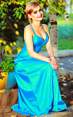Cheerful girl Kristina from Odessa (Ukraine), 24 yo, hair color blonde