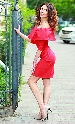 Kind woman Anna from Odessa (Ukraine), 41 yo, hair color brown-haired