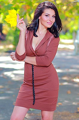 Interested lady Elena from Odessa (Ukraine), 21 yo, hair color black